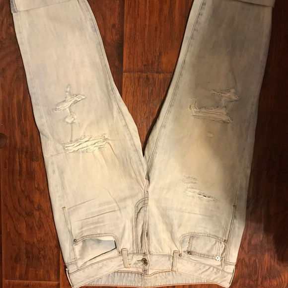 American Eagle Outfitters Denim - American Eagle boy fit distressed Capri jeans